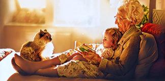 Бабушки, их внуки и родители крох
