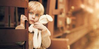 Как отсутствие любви в детстве влияет на взрослую жизнь